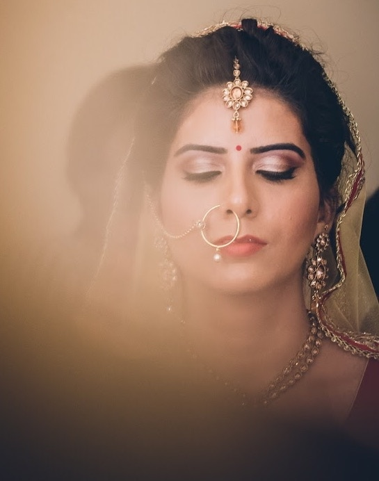 Every bride is beautiful and must feel it.  #indianbride #india #indianwedding #makeup #bridal #bridalmakeup #bridalhair #bridalmua #bridesofindia #bride #northindia #traditional #classicbride #bridestyle #bride #nosering #earrings #makeupartist #makeupforever #nars #maccosmetics #red #gold #eye #eyemakeup #makeupbyme #makeupbynikkineeladri #bangalore #soroposo #roposbrides #roposolove
