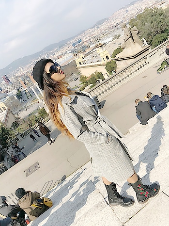 Beautiful Barcelona City View 😍 : #oneofthebest #barcelonacity #view #barcelona #citytour #barcelonagram #museunationaldartdecatalunya #barcelonawithnehamalik #spain #travelblogger #travelandleisure #luxurylifestyle #luxurytravel #nehamalik #model #actor #diva #blogger : : Shades from my #louisvuitton collection as well as #outfit  Boots by @trufflecollectionindia #trufflecollectionindia