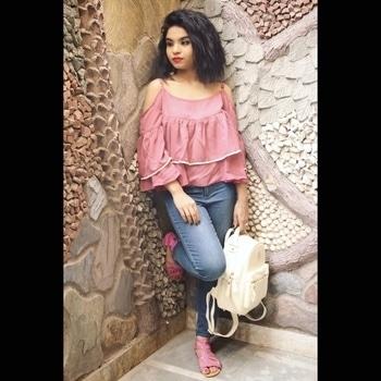 New BlogPost is up on Website..... Let Shoulders Breath 💕 . . . . . . . . . . Photography: @rahatsingh11  Lacy Pink Cold Shoulder top: @stalkbuylove blue Jegging: @hm Bag: Dubai #fashionblogger #indianblogger #baglover #strayeddivine #Bloggerlife #indianblogger #delhiblogger #dubai #stalkbuylove #hm #PassionforFashion #Work #ootd #wiw #coldshoulder #summers #fashion #fashionlove #stylist #Stylistlife #love #celebratinglife 🤓