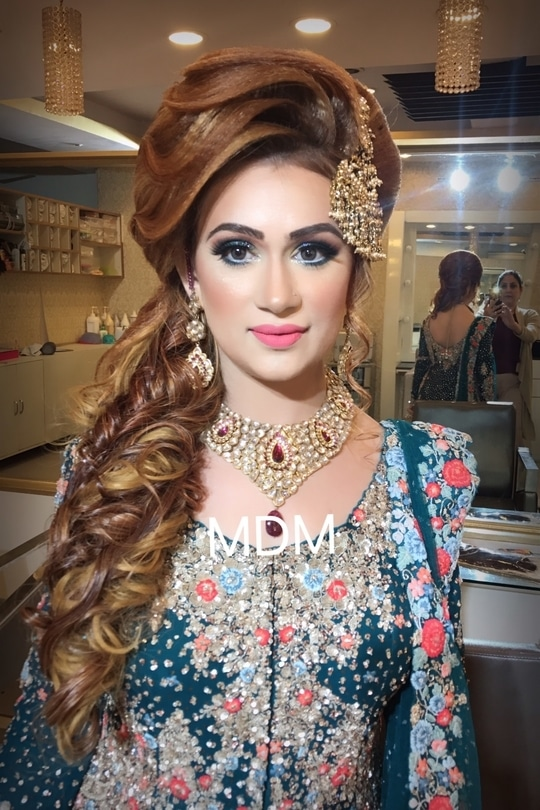 Makeup look at #MDM #meenakshidutt #meenakshiduttmakeovers #meenakshiduttmakeoversdelhi #makeup # hairstyle #makeup for party #hairandmakeupstudio #makeupcademydelhi #indianmakeup #bridalmakeupartist