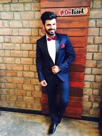 Not everyone can carry a suit with class.  . . . . #bloggersofIndia #OOTD #mumbaifashionblogger #bloggerlife #bloggerstyle #bloggerdiaries #blogpost #Black #aviators  #bloggerwear  #beardlife #shootdiaries #mensfashion #menstyle #mensstyle #menfashion #ootdmen #beard#HouseofClass #Mumbai #Basics #wegroom #sssmagazine #roposo #soroposo #roposomen  #monochrome #onpoint