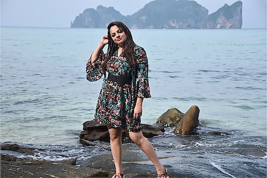 I am a women with grace in my heart and flowers 🌺 on my dress !!! : Ha Ha can't get enough of floral dresses #floraldesign #floralprint #fashionstyleandtravelcloset : : #wiwt #ootd : @ajiolife : : Monsoons gets me close to nature and what's best than expressing Monsoon vibes through floral prints ... : Come on Pune, Go Floral this Monsoons @punetimes @punetimesonline : : #puneinstagrammers #punefashionblogger #puneblogger #punetravelblogger #fashionstylist #fashionstatement #igfashion #ajiolife #indianfashionblogger #indianstyleblogger #styledshoot #floraldress #indian @indianbloggerscommunity @puneig #styleicon #tropical #tropicaldress #monsoondiaries #monsoonfashion #fashionista #personalstyle #trendingfashion #trendingnow #trendsetter #trendyclothes @ootdindian @ootdlovin @ootdmagazine #roposofashionblogger #roposo-makeupandfashiondiaries #roposo-fashion #roposopunefashionblogger #soroposostylefiles #soroposome #soroposo
