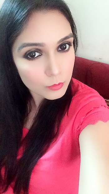 #makeuplove #makeupartistindia #makeupartistsworldwide #maclove #studiofixfoundation #studiofixpodwer #smokeyeyemakeup #glittereyes #makeupstudio #highlight #contour #pinklipstick #pinkblusher #pinkloverforever
