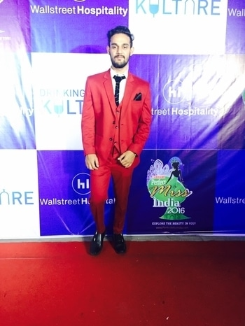 #roposso #roposotimes #fashionchoreographer #khizarhussain #khizarhussainmodelmanagement #fashionblogger #fashionblogger #fashionbloggerindia #roposopicks #zarana #lifestylebrand