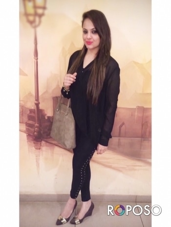 All in black for today @globusfashion and @mastandharbour shoes and bag.. #fashionstyleandtravelcloset #travelstyleandtravelcloset  #ootd #outfitinspiration #outfitofthenight #allblacks #blackootd #blacklove #sundayvibes #sundaynight #sundayfun #fashionstylist #luxuryfashionblogger #luxuryfashion #fashionbloggerindia #fashionbloggersofindia #stylediaries #stylefashion #fashionblogger #fashionoftheday #dinner🍴 #dinnerparty #friendshipgoals #friendshipquotes #instablogger #instagood #indianfashionvlogger #blackonblack #blackfashion #streetstyle