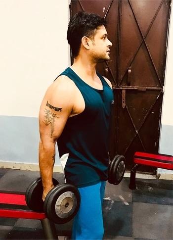 #motivation #gymlife #gymfreak #fitnessmotivation #love-life #healthy life #karantiwarisnap #delhi #delhigram #delhiguy #karantiwariofficial