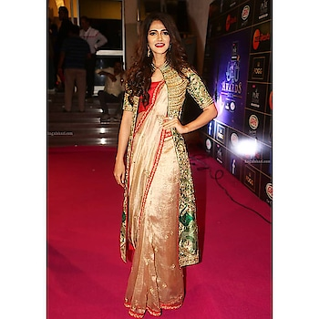 Miss India Simran Choudhary spotted in our embellished long jacket and saree for a pink carpet event! #archithanarayanamofficial #zeeapsaraawards #2018 #embellished #longjacket #saree #6yardsofelegance #stylish #mixnmatch #red #green #gold #stunner #spotted #pinkcarpet #awards #missindia #simranchoudhary