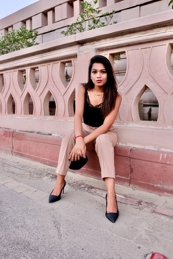 I'll stitch my wounds with Dreams & the next time you hurt me, I'll bleed Stars🌟 . . . . #TadTooTrendy #IndianBlogger #indianbeautyblogger #indianbeautyblogger #trending #trendingfashion #lucknowblogger #delhiblogger #fashion #beige #pants #black #lace #camisole #girl #followme #fashionista #outfit #ootd #potd #wiw