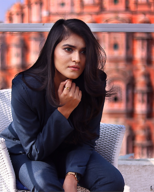 Resolution Completion MODE ONN! 👩🏻💻💯 . . 📸: @watermark.creations  Makeup: @lakme.academy.jaipur  Outfit: @stalkbuylove . . #bhukkadfam #mytaste2k18 #cadrebloggers #fabebg #lakme #shoot #newyear #jaipur #fashion #inspiration #makeup #hair #nudemakeup #jaipur #jaipurblogger #womenfashion #professional #look #ootd #ny #uk #india #treasuremuse 😘#roposo #roposolive #roposolove #roposofeature #roposos