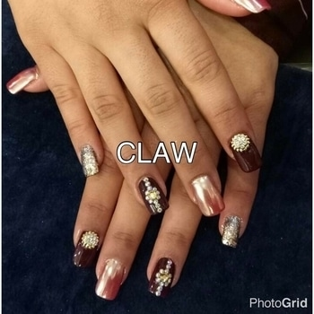 Wedding nails💅🏻💅🏻 #nailswag#weddingseason #clientdiaries #nailsonpoint #glittertrend #beautiful hands#happyus #getclawed💅🏻💅🏻