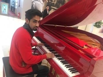 #red #piano #aerocity #me #handsome #guy #redjacket #amazing #pose #followme #follow4follow #like #likeforlike #awesome #cute #beard #beardlife