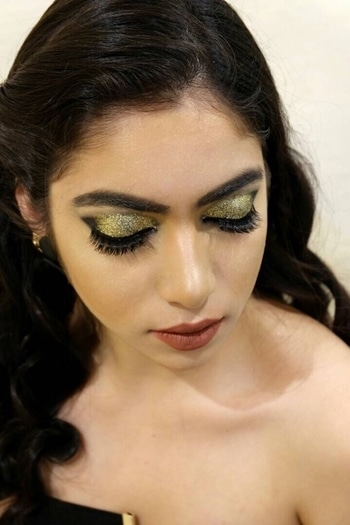 Professional Makeup Course  Book Now -  9654614161. INR 60,000 ( EMI Option Available ) . 20 classes Professional Makeup course with our experienced International Faculty. . Date - 10th June 17, Saturday !! . Location - Glamorous You Academy 143 E Block Greater Kailash 1, New Delhi . Time - 3 hours per class ⏰ . Monday or Wednesday - Tuesday or Thursday (Weekend Classes Available) . Inquiries - ☎ 9654614161 . . Week 1. Skincare/ mini facials • Week 2. Corrective makeup and concealing • Week 3. Contouring/ Understanding facial shapes • Week 4. Foundation application/ Colour matching • Week 5. Applying lashes- individual and strip • Week 6. Daytime makeup/ Evening Makeup • Week 7. Smokey Eyes • Week 8. Glamor Makeup/Runway Trends • Week 9. Bridal Makeup- White and Indian Wedding • Week 10. Basic Hair styling-curls, buns and straightening . 🔼Students will also get a branded makeup kit , makeup box and much more. All other products for practice will be provided by the academy, which includes brands like Mac, Kryola. . Book your seat now- 9654614161 Limites seats* . www.glamorousyou.co.in Email - glamorousyouacademy@gmail.com  @taniamukhi_glam  #fashion #beauty #fashionstyle  #outfit #lookbook #model  #love #shooting  #getvoguehere  #ootd #makeup  #pictures #shoot #ootd #accessories #style #delhiblogger #loveblogging #2017 #summer  #saloni #ahuja #getvoguehere#  #blogger #newblogpost #bloggerslife #likeforlike  #follow #newtrends #pikreview #fashiondesigner