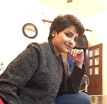 Updated their profile picture #newdp blazer from #madamefashion #madame at #pinklook #february2018 #newdelhi #indianyoutuber #androgynous #androgynousfashion #goth #indiangothic #doctorswholovetodesignanddressup #doctors #rubiscotalks
