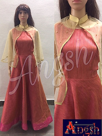 #gown #brocade #linning #border #boatneck #poochu #collar #netshimmer #pearls #designer #trending #angsh #jaipur #stylish  Dm to order😊
