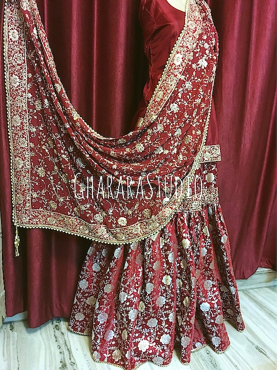 Gharara in maroon kamkhwab with zari and zardozi handwork embroidery on dupatta. Kundan stones all over.    🌈WhatsApp at +919971865919 to order 🌈Deliver complete stitched to your size  🌈Deliver Worldwide   #gharara #ghararastudio #ghararastudiobyshazia #ghararas #ghararah #ghararasale #ghararadesign #ghararafashion #bridalgharara #partygharara #instafashion #fashiongram #fashionblog #fashionblogger #fashionpost #orderonlinegharara #buyghararaonline #greengharara #kamkhwabgharara #muslimahfashion #muslimwear #muslimbride #pakistanibride #pakistanigharara #handwork #embroidery #zari #zardozi #fashions #customised #delhi #deliverworldwide