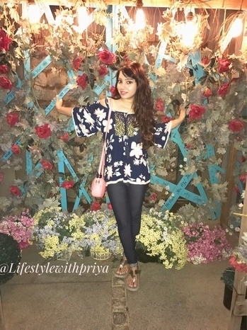 Life is like a Bed of Roses 🌹Sometimes it Adds a beautiful fragrance (happiness) & Sometimes there are thorns (Sadness) so you have to deal with it to blossom in the best way 🌸 - #lifestylewithpriya . *Happy Sunday lovelies* 😀 . #ootd Details are- 👚- Gk Mblock,Delhi . 👖- LIFE @shoppersstop  👝 #slingbag - @forever21   👡- lajpat market  . . For more #outfitdetails Check the OOTD tab on the BLOG- www.lifestylewithpriya.com (Link in bio) . . #fashionbloggerindia #delhifashionblogger   #fashionblogger #fashionblog #fashionista #fashionbloggers  #fashionispassion #floral #floralbackdrop #roses #lifestyleblogger #beautybloggerindia #outfitoftheday ##outfitinspiration  #floraltop  #roposolove #roposofashionblogger  #roposostyle #soroposofashion #soroposo #soroposolook