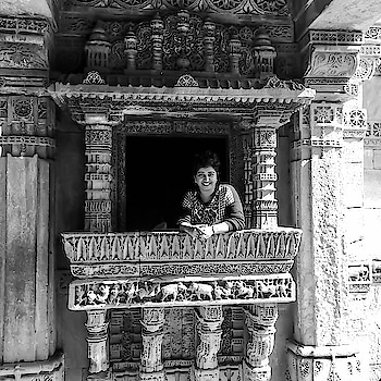 Ahmedabad surprised me!   Quite frankly if I had seen a photo like this one, I would have guessed that it was taken at some exotic location, perhaps Rajasthan. What with the intricate architecture, stepwells, jharokhas and all.   Ahmedabad doesn't really sound exotic, does it? I had to travel to the city to attend a dear friend's wedding and decided to look around. Did some digging up before traveling and chartered few routes. But that was it, wasn't really expecting much.   Guess what, I loved it!   Sarkhej Roza, MF Hussain's Amdavad ni Gufa, Dada Harir ni Vav, or the Adalaj Stepwell, where this photo was taken, they were all magnificent!!   But then, we are guilty of making the same mistake with people, aren't we? We rush to form opinions, based on however little we know of someone. Only if we could be less opinionated and more open, accommodating & hopeful.   Maybe, we could find our own Ahmedabad 😊.....  #positivity #travelstories #blackandwhitephotography #ahmedabad #gujrattourism #adalaj #travelblogger #positivevibes #indianblogger #wanderlust #storiesofindia #explorer #instaframe #notetoself #thinkaboutit #monochrome #travelgram #mypixeldiary #roposogal #roposo-style #roposoblogs #roposoblogger #soroposofashion #soroposoblog #soroposotimes #roposoblogger #soroposodaily #soroposogood