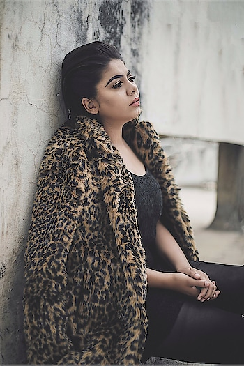 I still can't get over this fur baby. Leopard print has all been my favourite and this fur coat from @shein_in is definitely a Statement piece this winters. You can get perfect street style as well as totally full-on-glamour look. Get this and style it your way and be a show stopper. 💯 . . . . . 📸 @saumya_singhstagram  MUA: @prabhneet_bajaj  #Fashion #fashionaddict #fashionblogger #indianblogger #koovsfashion #koovsxyou #koovs #shein #plixxo #plixxobypopxo #plixxoblogger #makeupartist #makeuplove #sheinofficial #sheinlove #fashionblogger #indianblogger #lucknowblogger #sheinlove #furcoat #leopardprint #streetwear #streetstyle #streetstyleblog #streetstylefashion #streetstyleblogger #vartikasaraswat #thewinsomesoul
