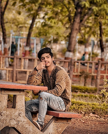 If you don't like something, Change it, If you can't change it, Change your attitude.  _____  #sahilsingh #menswear #mensfashionpost #menswearstyle #fashionphotoshoot #fashionphotography #influencerlife #maleinfluencer #malemodel #menblogger #bloggerstyle #indianblogger #indianfashioninfluencer #damagedenim #clothing #roposodaily #roposogood #roposostar #roposomodel #roposo