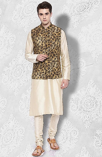 Turning over a new leaf! Introducing a #mustard mandarin collar nehru #jacket by Mayank Modi tailored in #linen enhanced with #leaf pattern all over: https://www.indiancultr.com/new-arrivals/be-your-own-man-by-mayank-modi?p=1&trk=hmpg-slider #menswear #dapper #mensfashion #India #IncredibleIndia #wow #amazing #artisan #want #neednow #inspiration #Indian #traditional #makeinindia #instalike #instadaily #photooftheday #follow #repost #awesome #style #shoppingonline #designer