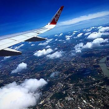 Travel addict... yes i am..🤗 #travel #traveller #wandering #ghumakadsoul #travellerjaat #jaatjaatni #wowair #clouds #earthpix #roposotraveller #travelblogpost #travellerdiaries