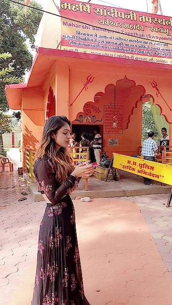 Ujjain Trip ... Mahashri Sandipani Tapsthali And Harisiddhi Temple Square 🙏🙏🙏 : #ujjain #harisiddhi #lordkrishna #maharashisandipani madhyapradesh #holyplace #blessed #beautiful #spiritual #spiritweek #spirituality #goodmorningworld #spreadlove #familytime #blessyou #happytime #minivacation #mommyandme #nehamalik #model #actor #blogger