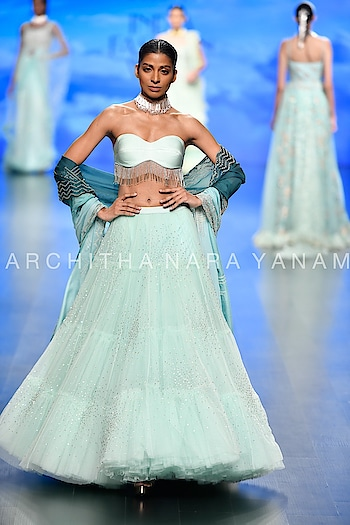 Look~2 #archithanarayanamofficial #thalassa #ss19 #fdci #lmifw #indiafashionweek #delhi #festivecollection #bridalcouture #bridestobe #bridemaids #shadesofthesea #vogue  Pic courtesy ~vogue  Thanks for the amazing pictures!!