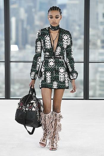 Longchamp's debut runway show at NYFW18 😍   #longchamp #internationaldesigner #runway #fashionweek #newyork #NYFW2018 #NYFW #supermodels #ramp #kaiagerber