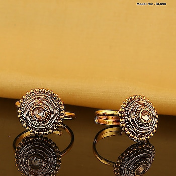 This festive season Anuradha Art Jewellery brings to you latest collection in golden toe rings at best price. Get unique designs! Unbeatable Cost ! To see more designs click on the link: https://bit.ly/2LhunOL #toerings #goldtoerings #toeringdesign #buytoeringsonline #anuradhaartjewellery #aaj #10yearchallenge