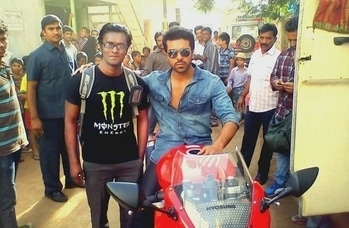 pic with South Indian actor ramcharan during shoot of movie yevadu  while working with  South Korean superbike  company as manager ,hyosung GT 650r used for shoot