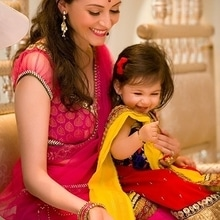 Such an adorable shot of the bride to be and her niece!  Shot by @houseofosmanghani  #WedLista #FashionForWeddings