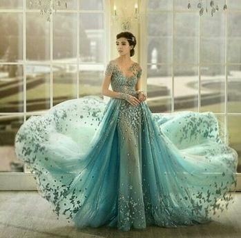 #stylingidea #evening-gown #roposotalenthunt #fashion