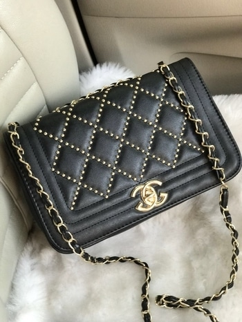 CHANEL SLING.....😍  HEAVY QUALITY....👌👌  SIZE...7-10  PRICE....1200/-+⛵
