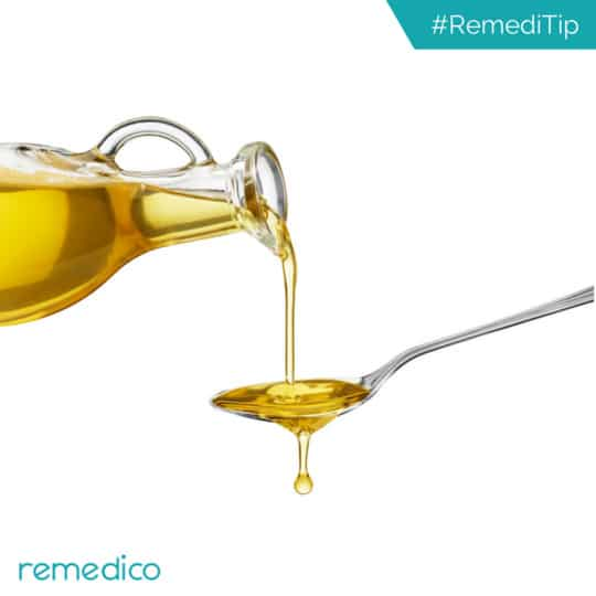 Never apply and leave oil on your hair overnight, if you suffer from dandruff. The fungus which causes dandruff reacts with oil to produce itching.  #Remedico #dermatologist #blog #healthtips #skin #beauty #beautifulskin #darkcircles #beautifuleyes #dandruff #treatment #healthyskin #skingoals #beautyblogger #digitalclinic #skincareroutine #skincare #wellnessblog #dandrufftreatment  #hairgoals #glowingskin #blogpost #skinproblems #agedefying #anewyou #healthyskincare #clearskin #smoothskin #healthandbeauty #antiaging