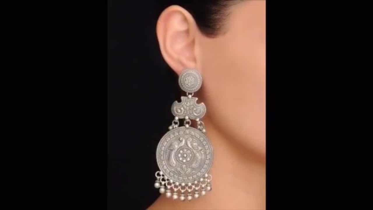 #earinglove