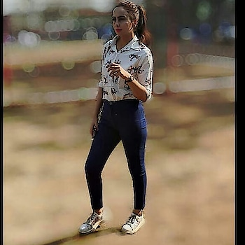 Casual & Sporty💙  Highwaist Denim -:@madish.in Shirt -:@beingdiva_9 Watch-: @fastrack_watches  #casualstyle #sporty #sportsdisplay #ootdguide #highwaistjean #funkyshirt #whitesneakersph #fastrackwatch #oversizedshades #madish #lovethewayyoulive #beurself