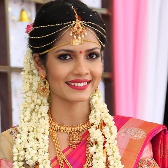 My Traditional South Indian Bride  #stunning #indianbride #bride #bridalmua #beautiful  #bridalmakeup #makeupbynikkineeladri #bridesofinstagram #wedding #weddinghair #weddingmakeup #maccosmetics #nars #mua #mufe #india #bridesofindia #southindian #makeupartists #traditional #classicbride #flowers #bangalore #bangaloremakeupartist #bandbaajaa #wedmegood #shaadisaga #weddingsutra