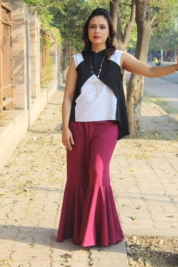 Get the party season started with this outfit from @uptownie_lite 💖 #bespokegrub #indianblogger #lucknowblogger #fashionblogger #uptownie
