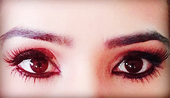Kisi ne mujhse kaha, aapki aankhein bohot khoobsurat hai.. Maine muskurakar kaha, Baarish k baad Aksar mousam suhana ho jata hai...😊 • • #eyes #express #everything #talkativeeyes #deepeyes #myeyes #totd #potd📷 #well #formoreupdates #staytunedwithme #😉👍🏻♥️