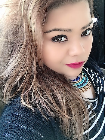 Happy weekend guys... Friday fever ❤️ #insta #instaphoto #instagram #instapic #instagramers #instafashion #fashion #poser #makeupon #hercreativepalace #blogger #influencer #delhi #india #hcpkanika #kanikasharma #bold #redlips