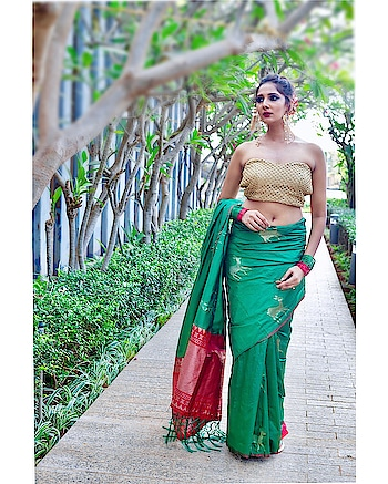 Har roz gir kar bhi muqammal khade,aye zindagi mere housle tujhse bhi bade hai🧚🏻♀️ saree:- @pehnava_nx ⠀⠀⠀⠀⠀⠀⠀⠀⠀⠀⠀⠀⠀⠀⠀⠀⠀⠀⠀⠀⠀⠀⠀⠀⠀⠀⠀⠀⠀⠀⠀⠀⠀ ⠀⠀⠀⠀⠀ ⠀⠀⠀⠀⠀⠀⠀⠀⠀⠀⠀⠀⠀⠀⠀⠀⠀⠀⠀⠀⠀⠀⠀⠀⠀⠀⠀⠀⠀⠀⠀⠀⠀ ⠀⠀⠀⠀⠀⠀⠀⠀⠀⠀⠀⠀⠀⠀⠀⠀⠀⠀⠀⠀⠀⠀⠀⠀⠀⠀⠀⠀⠀⠀⠀⠀⠀⠀ ⠀⠀⠀⠀⠀ ⠀⠀⠀⠀⠀⠀⠀⠀⠀⠀⠀⠀⠀⠀⠀⠀⠀⠀⠀⠀⠀⠀⠀⠀⠀⠀⠀⠀⠀⠀⠀⠀⠀⠀ Browse the huge range of designer sarees online with @pehnava_nx !  Shot by:- @beardedshutterbug  Muah:- @makeupbyheerasharma  #silksaree #silksarees #silk #sareeworld #sareegame #sarees #ethnicwear #ethnic #indianwear #gajra #indianlook #indianfashiondesigners #indianatheart #mahhimakottary #styleblogger #sareebrands