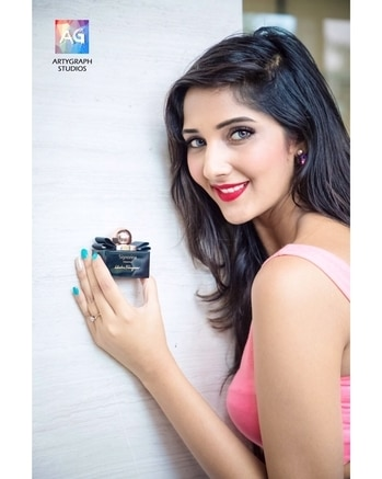 Racy italian elegance & unexpected addictiveness got me hooked on to this @ferragamo fragrance😻 ⠀⠀⠀⠀⠀⠀⠀⠀⠀⠀⠀⠀⠀⠀⠀⠀⠀⠀⠀⠀⠀⠀⠀⠀⠀⠀⠀⠀⠀⠀⠀⠀⠀⠀⠀⠀⠀ ⠀⠀⠀⠀⠀⠀⠀⠀⠀⠀⠀⠀⠀⠀⠀⠀⠀⠀⠀⠀⠀⠀⠀⠀⠀⠀⠀⠀⠀⠀⠀⠀⠀⠀⠀⠀⠀⠀⠀ ⠀⠀⠀⠀⠀⠀⠀⠀⠀⠀⠀⠀⠀⠀⠀⠀⠀⠀⠀⠀⠀⠀⠀⠀⠀⠀⠀⠀⠀⠀⠀⠀⠀⠀⠀⠀⠀⠀⠀ ⠀⠀⠀⠀⠀⠀⠀⠀⠀⠀⠀⠀⠀⠀⠀⠀⠀⠀⠀⠀⠀⠀⠀⠀⠀⠀⠀⠀⠀⠀⠀⠀⠀⠀⠀⠀⠀ ⠀⠀⠀⠀⠀⠀⠀⠀⠀⠀⠀⠀⠀⠀⠀⠀⠀⠀⠀⠀⠀⠀⠀⠀⠀⠀⠀⠀⠀⠀⠀⠀⠀⠀⠀⠀⠀ ⠀⠀⠀⠀⠀⠀⠀⠀⠀⠀⠀⠀⠀⠀⠀⠀⠀⠀⠀⠀⠀⠀⠀⠀⠀⠀⠀⠀⠀⠀⠀⠀⠀⠀⠀⠀⠀⠀⠀ ⠀⠀⠀⠀⠀⠀⠀⠀⠀⠀⠀⠀⠀⠀⠀⠀⠀⠀⠀⠀⠀⠀⠀⠀⠀⠀⠀⠀⠀⠀⠀⠀⠀⠀⠀⠀⠀⠀ ⠀⠀⠀⠀⠀⠀⠀⠀⠀⠀⠀⠀⠀⠀⠀⠀⠀⠀⠀⠀⠀⠀⠀⠀⠀⠀⠀⠀⠀⠀⠀⠀⠀⠀⠀⠀⠀⠀ Pic credit:- @prasadw454  #mumbaiblogger #indianblogger #fashionblogger #blogging #blogged #scents #perfume #italian #italy #italyluxury #perfumes #smell #allthingsitalian #italianculture #beautyblogger #beutyblogging #salvatorferragamo #signorina #perfumes #iloveperfumes
