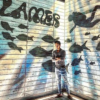 #Goodtimes @lamerdubai  #weekend #streetart #graffiti #graffitiart #wallprint #casuals #shirt #printed #zara #denim #pullandbear #fashion #fashionblogger #lamer #lamerbeach #style #travel #traveller #roposo #travelgram #roposotraveldiaries  #mydubai #dubailife #dxb #dubai #uae #indian #sajansinghrawat
