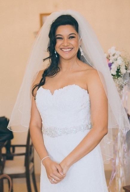 My stunning Catholic bride #white #wedding #brides #bridalmakeup #whiteweddingmakeup #nudelips #muaindia #muabangalore #bridesofindia #soroposo #roposobride #roposolove #indianwomen #stunninglook #bridalmakeupartist #bridal #churchwedding #naturalmakeup #subtlemakeup #asian #makeupbynikkineeladri