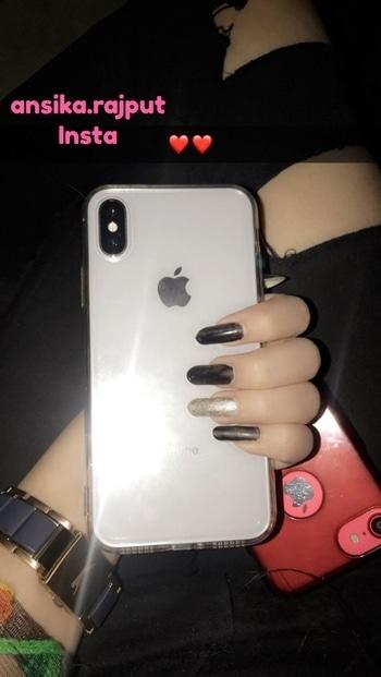 My new baby❤️ #iphonex #blogger #iphone #iphone10 #phone #apple #appleiphonex #appleiphone #iphonered #iphonered7 #iphone7 #nails  #nails #longnails #nailart