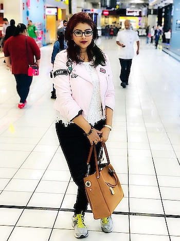 Airport ootd❤️❤️ #lifeisbeautiful #fashionblogger #mumbaifashionblogger #ootdmagazine #fashioninfluencer #fashioninspiration #instastyle #fashionstyling #collaboration #instamood #mumbaifashion #indianstyle #likesforlikes #follow #indianblogger #instalike #instafashion #instadaily #mumbailifestyleblogger #ootd #picoftheday #indianfashionblogger #bloggerslife #whatiwore #mumbai The 3 C's in life; Choice, Chance and Change You must make the CHOICE to take the CHANCE, if you want anything in life to CHANGE