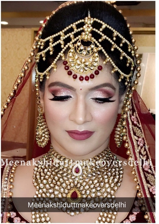 Perfect Indian Bridallook #meenakshidutt #meenakshiduttmakeoversdelhi #makeupartistindia #muaindia #muadelhi #bridalmakeup #bridalmakeupartist #weddinglook #indianbridalmakeup #hairandmakeupacademy #hairandmakeupstudio #indianbride