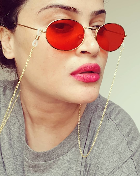 Fashion is a trend. style lives within a person ❤ : : : : : :________________________________ : : : : #selfie #fashiontrends #wiw #fashionstatement #sunglasses #fashionstyle #fashionista #instafamous #influencer #chicstyle #glamourous #diva #instafashionista #selfiequeen #dubaifashionista #dubaifashion #dubaistyle #dubaigirls #dubaiinstagram #dubaiinfluencer #dubaigirl #instadubai #uaefashion #dubaitrends #dubaidiva #dubaiglamour #dubaistreetstyle #instadubai #dubaistylist #dubai❤ #roposo