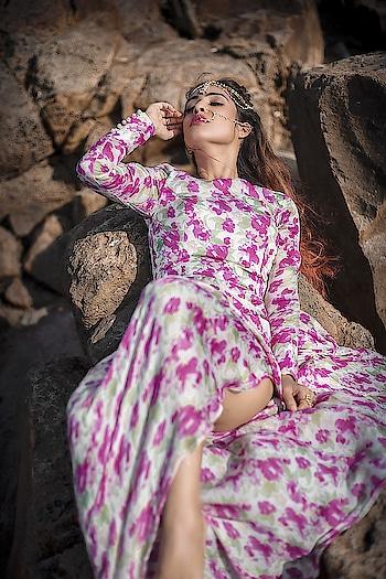 Smell The Sea, Feel The Sky, Let Your Soul And Spirit Fly ... 😍💕💕 : #seaside #photoshoot #searocks #beachside #beachphotography #beachphotoshoot #sealover #sea #seaandsky #beachshoot #beachstyle #slay #slayer #poser #queen #pinklove #fashionpost #styleblogger #diva #slay #nehamalik #model #actor #blogger  : Photography @divyesh.vanzara  Mua @zeen_sha  Outfit and styled by @baaksha
