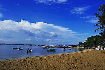 Count the shades of blue in sky and water at The gorgeous and serene #Sanur #beach. #balilife #indonesia #sanur #beach #niskani #island #bali #islandlife #lifeinbali #travelphotography #traveldiaries #balidiaries #instapic  #hoppingheels #lifestyleblog #lifestyleblogger #travelblogger #travelblog #indianlifestyleblog #instatravel #indiantravelbloggers #travel